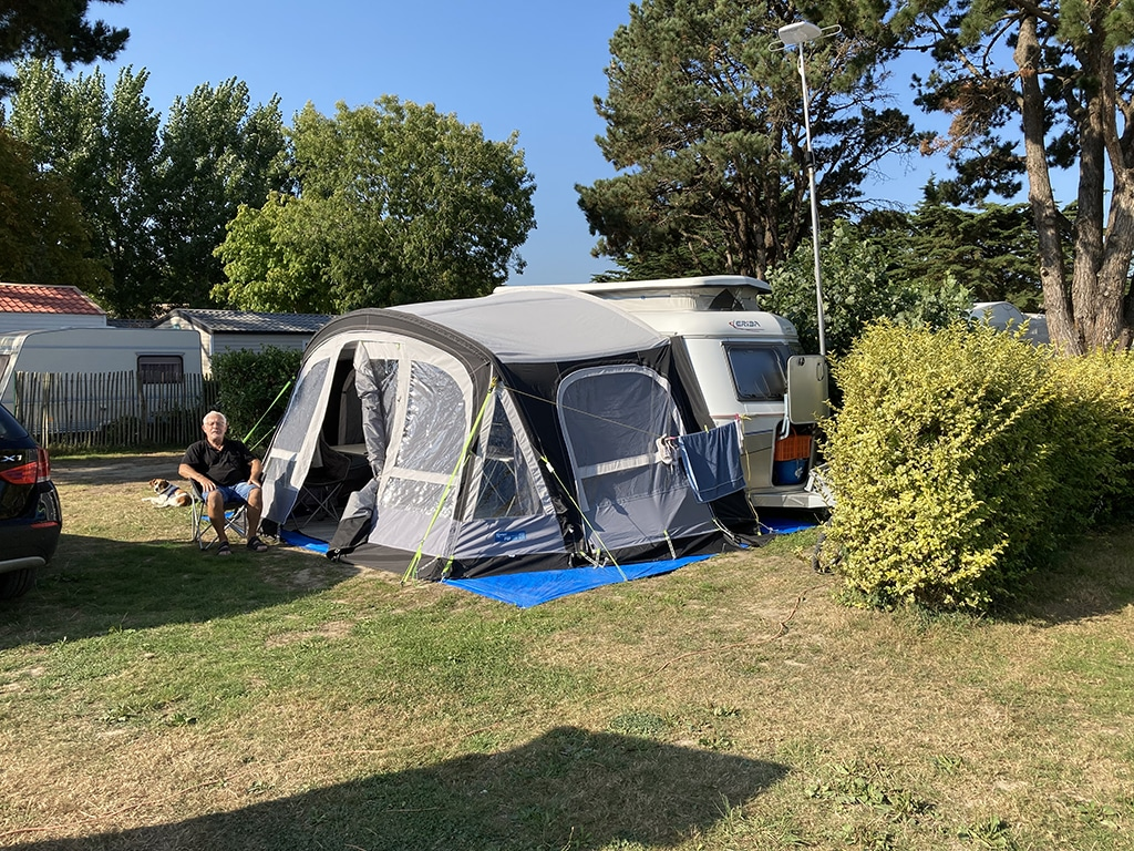 Camping Du Vieux Château : Emplacement Camping